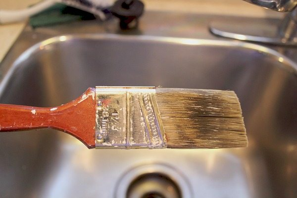 The Easiest, Laziest Way to Clean Your Paintbrushes – The