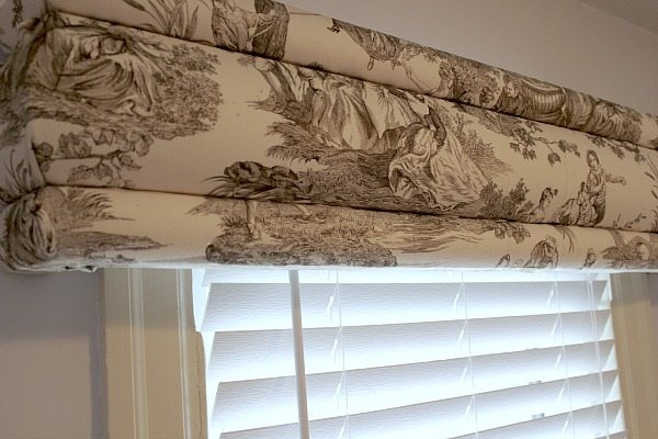 No Sew Cornice : Diy no sew cornices built with hot glue the creek