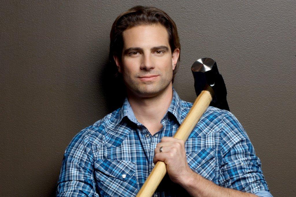 A chat with scott mcgillivray from hgtv 39 s income property for Scott mcgillivray