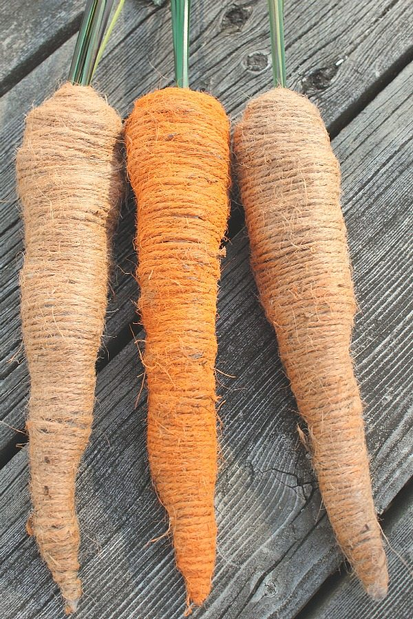 Easter carrots made from newspaper, tape, and twine! No way! Gotta give this one a try!