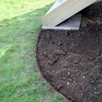 How to Edge a Flower Bed