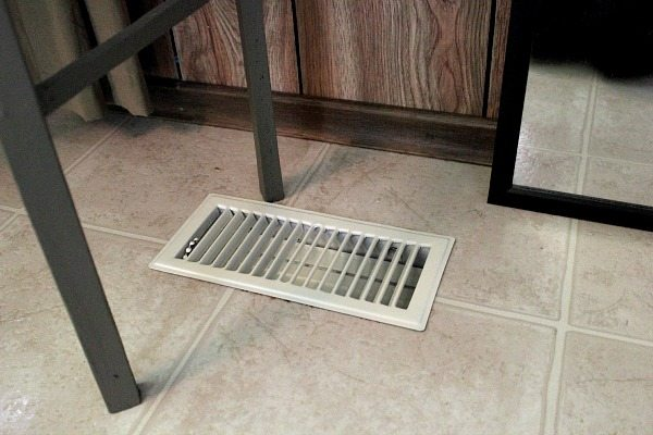 How To Paint Your Vent Covers Instead Of Paying To Replace