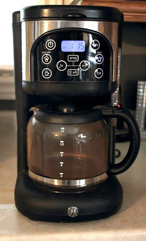 cleaning coffee maker with vinegar how to clean a coffee maker using ingredients 31151