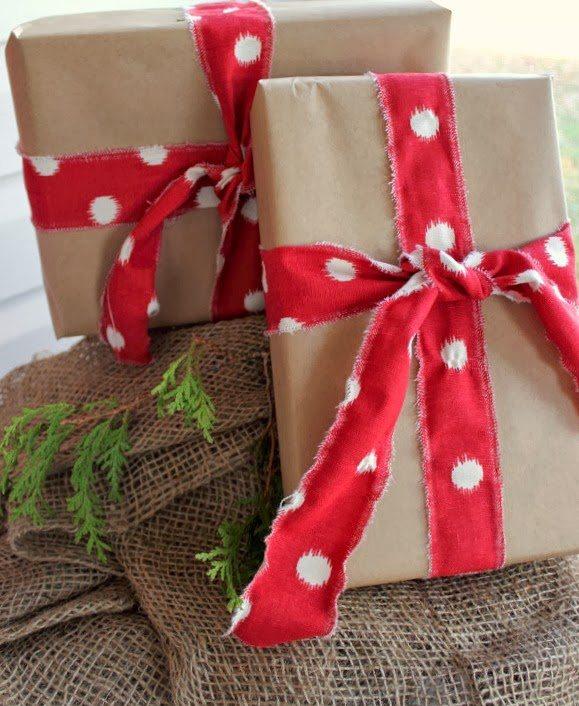 Easy DIY red Christmas decor ideas