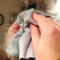How to keep your bathroom mirror fog-free!