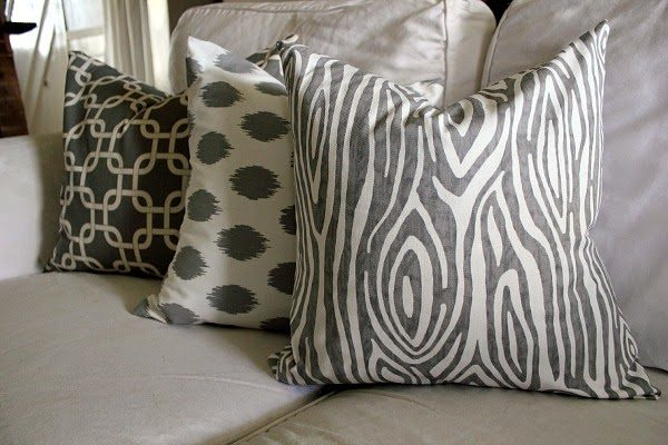 You Can Make Your Own DIY Pillow Cover In Just 10 Minutes With This Super Simple