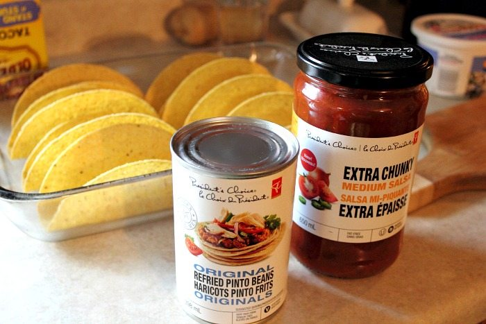 Making tacos in your oven is a great way to help your toppings all stick together and the end result is extra delicious! A crowd pleasing recipe for sure!