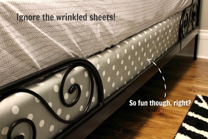 Fabulous A fun DIY way to give your bed and bedding a really nice finishing detail while