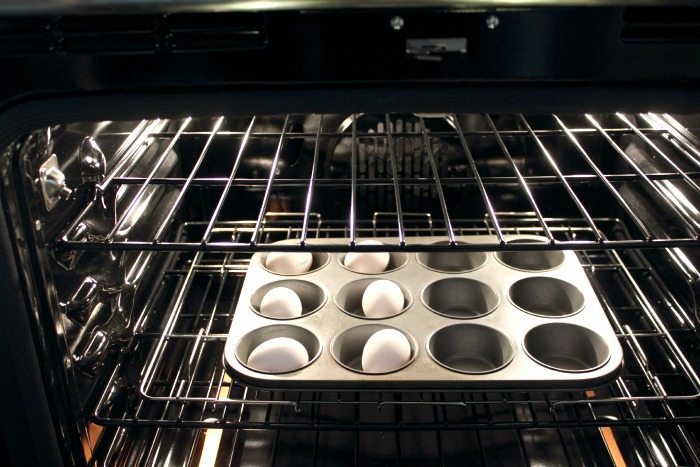 How to make super easy hard-boiled eggs in your oven! Great, quick cooking tip!