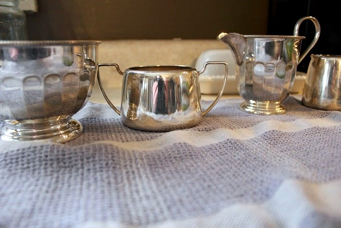 How to clean silver naturally, even if it's really tarnished! The tarnish just melts away with this trick!
