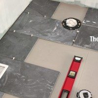 How to make a curved cut in tile! It pays to be clever!