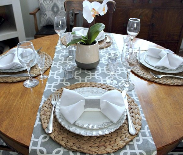 How To Do The Bow Tie Napkin Fold The Creek Line House
