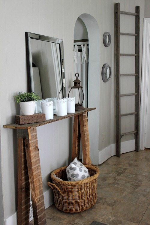 A little paint can make a big difference! Check out these dramatic diy before and after room makeovers featuring stunning results just by using a little paint!