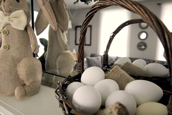 Easter and spring home tour 2016! Lots of easy and affordable farmhouse-style decorating ideas!