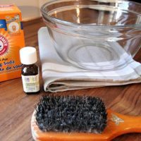 How to Clean Your Hairbrush with Essential Oils