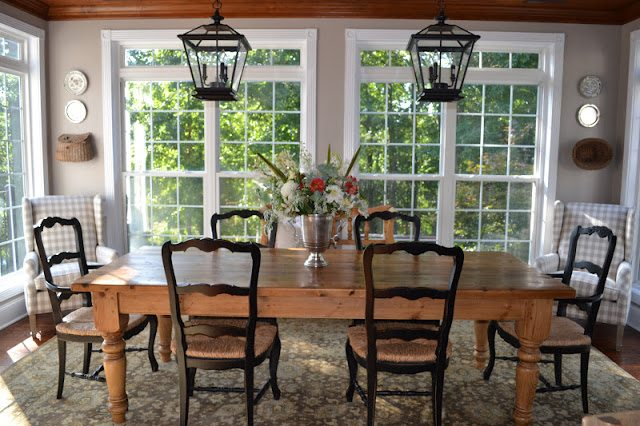 Inspiration and tips for finding the perfect lantern light fixtures for your home!