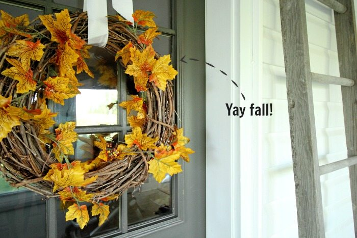 For real! You can make your own stylish leaf wreath in just 45 seconds and for so much less than it costs to buy one!