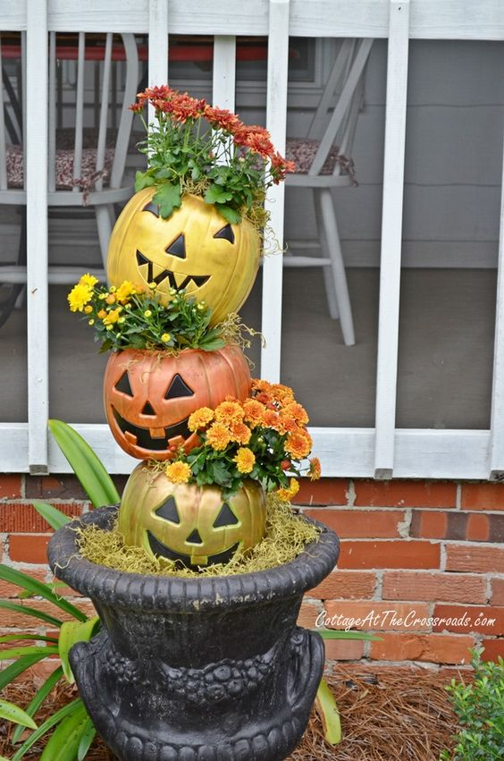 Diy outdoor halloween decoration ideas the creek line house diy outdoor halloween decoration ideas make them yourself this year solutioingenieria Gallery