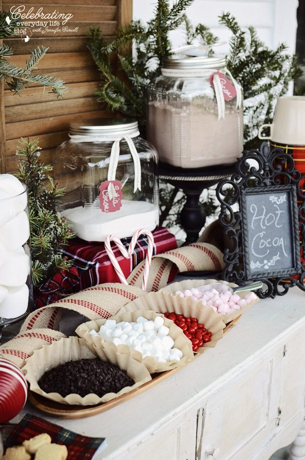 DIY Outdoor Christmas Decoration Ideas The Creek Line House