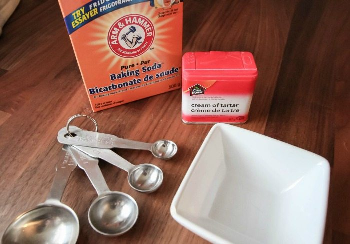 Here's how to make baking powder at home! Ingredients