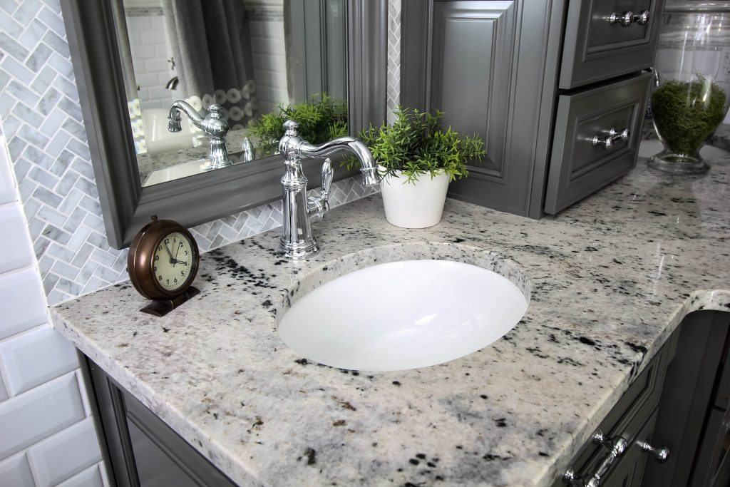 How to make your faucets extra shiny and keep water spots away for longer!