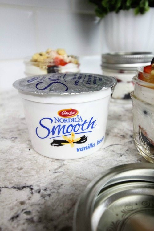 High protein cottage cheese parfaits that you can make ahead of time for a great grab and go snack!