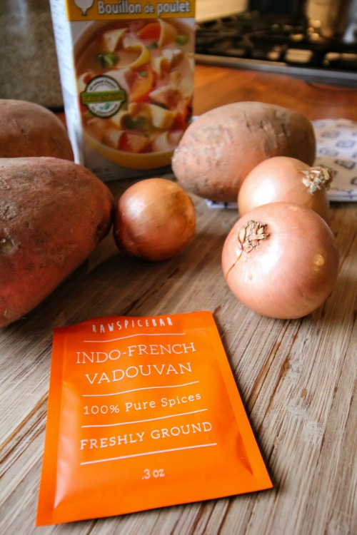 A healthy sweet potato soup recipe! Must try this one!