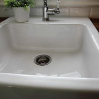 How to Clean a White Porcelain Sink