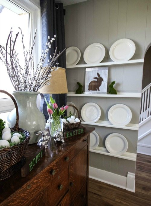 Farmhouse style Easter decorating ideas. Simple, fresh, and cute!