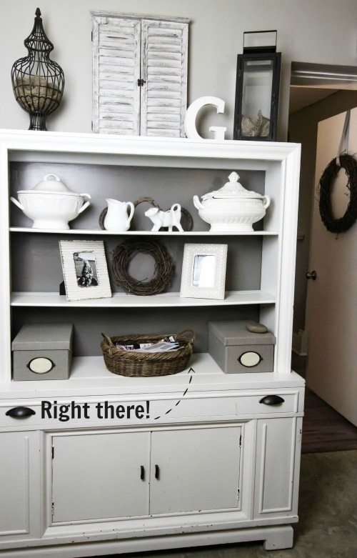 Clever, straightforward tips for helping you finally get rid of your paper clutter problem for good!