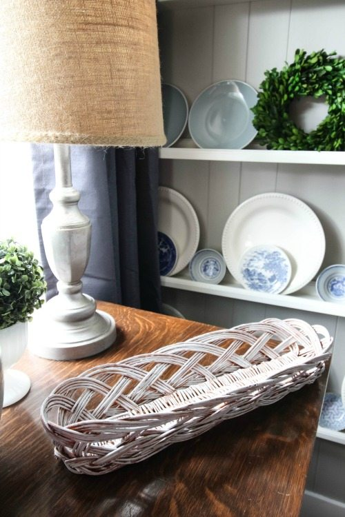 How to update thrift store baskets with paint to use in your home decor!