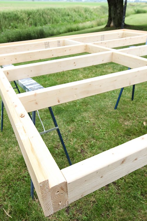 Stunning Make your own simple bed frame for your giant bed instead of paying thousands for one