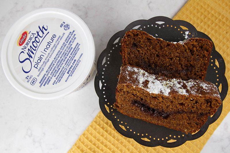 Delicious, moist coffee cake recipe perfect for fall! #ad #BornOnTheFarm