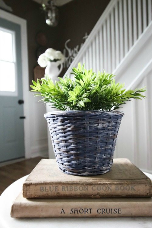 My very favourite ways to decorate for free! Painted Baskets.