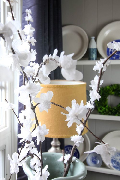 My very favourite ways to decorate for free! DIY Spring Blossoms