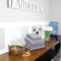 DIY Stencilled Farmhouse Sign