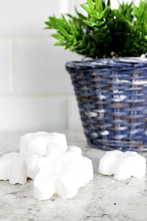 These homemade toilet cleaning tabs are a safe and natural way to blast away stains and buildup on your toilet, plus they're fun to make!