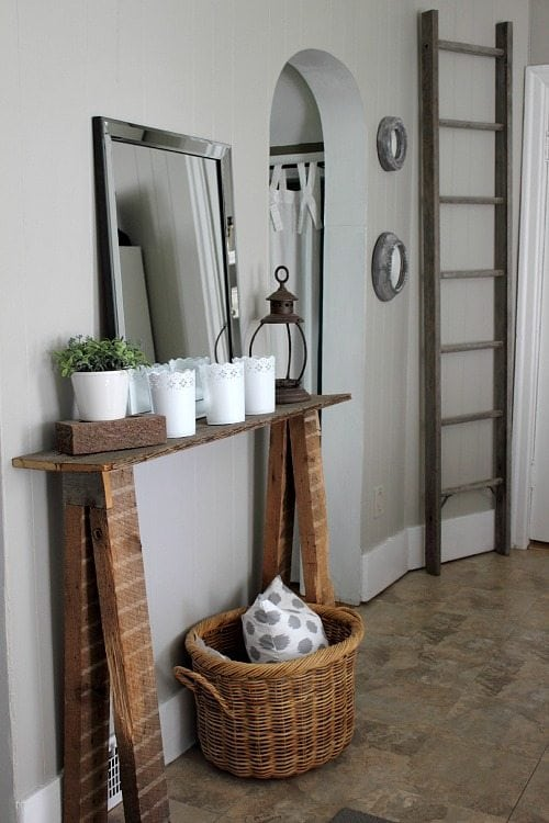 Farmhouse style ladders are great for adding a little instant character to a room or even for organizing things like blankets and magazines! Here are a few great farmhouse style ladders that you can add to your home for less than $50.