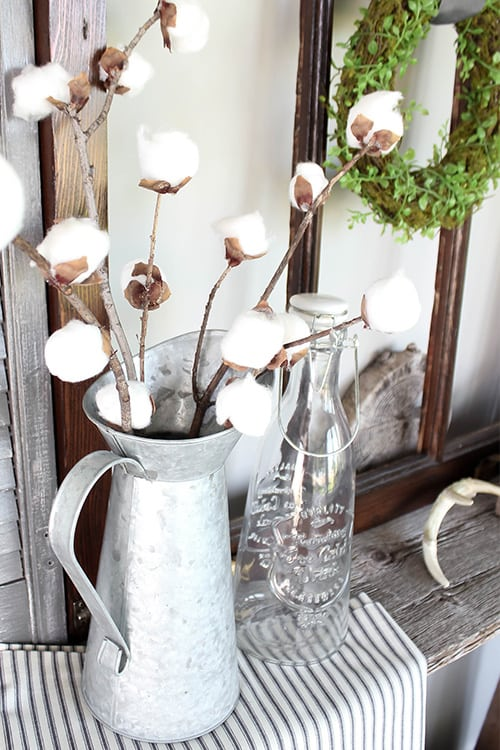 Cotton stems have been so popular for home decor for the last few years, but they can be really pricey. Luckily, you can easily make your own with a few basic supplies. Here's how to make your own DIY cotton stems!