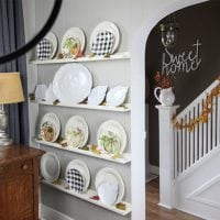 How to Spray Paint Thrift Store Plates