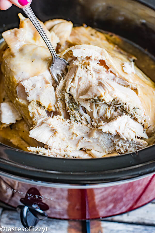 Delicious and Easy Slow Cooker Christmas Recipes #HolidayRecipes #SlowCookerRecipes #ChristmasMealIdeas