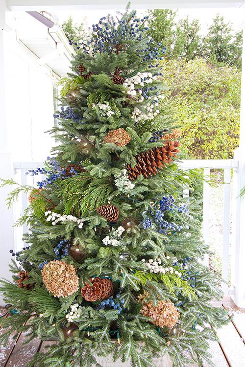 Pine Cone & Hydrangea Christmas Tree