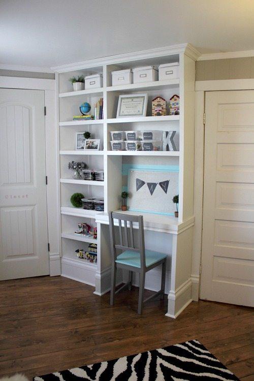 Organizing tricks for old homes: Built-in desk