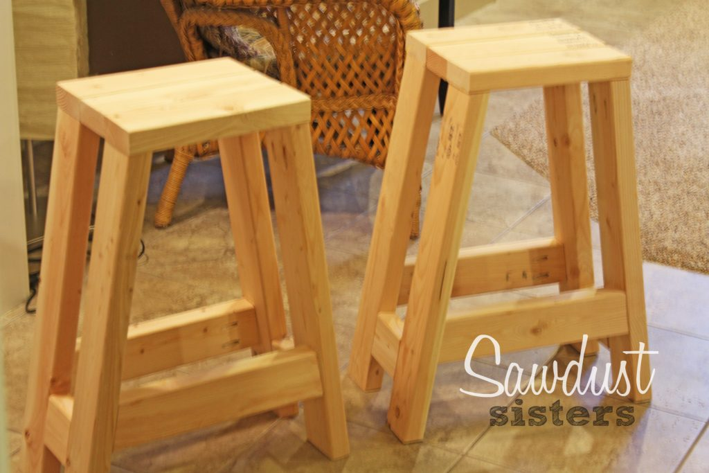 Fun and Creative 2x4 DIY Projects! #DIY #2x4Projects #DIYHomeDecor