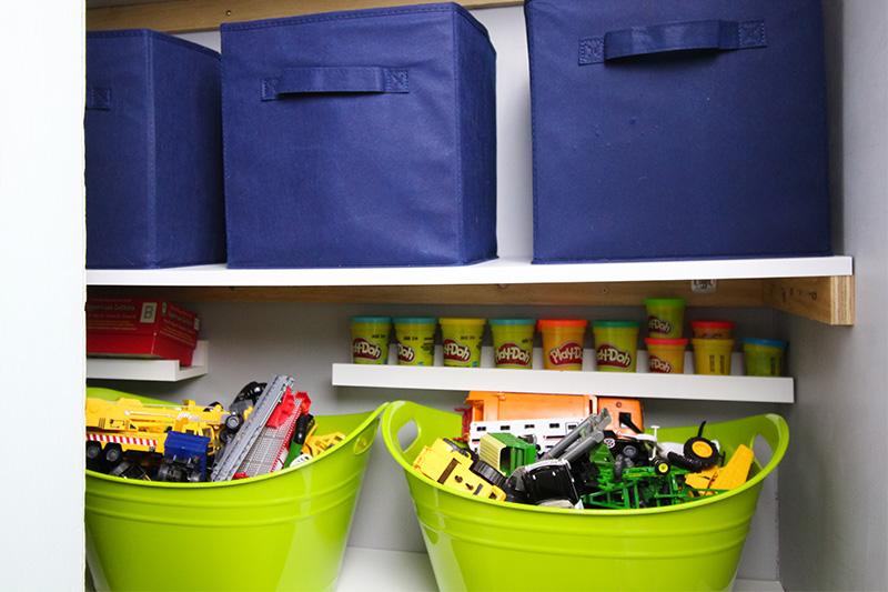 Organizing ideas for old homes: Photo ledge shelf-within-a-shelf