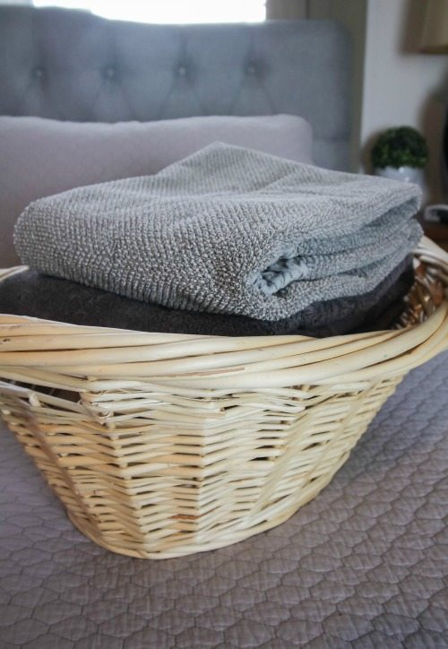 Clever Laundry Tricks and Tactics to make your Life Easier! #LaundryTips #LaundryTricks #LaundryHacks