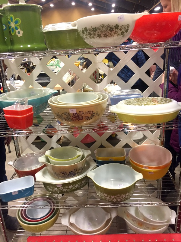 What to Buy at Garage Sales: Vintage Kitchen Items