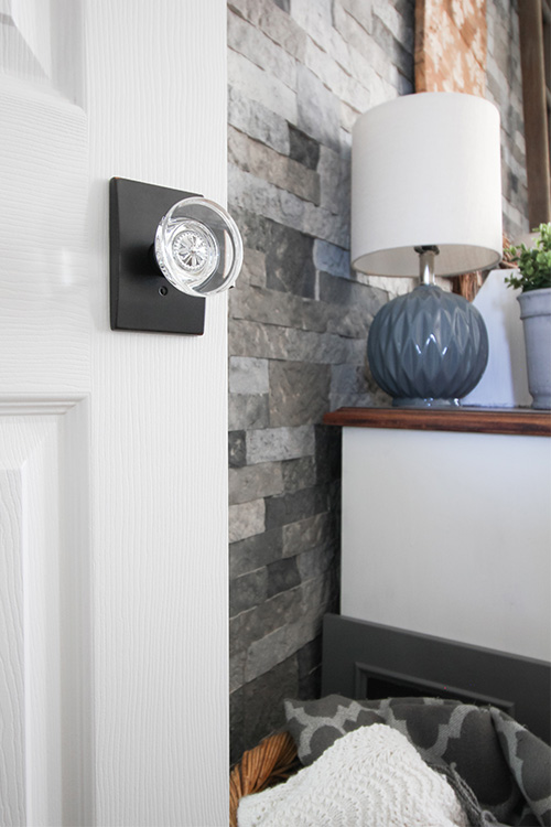 We recently installed all new doors and door knobs in our home and it has made such a difference. Interior door updates are something that we often don't think about, but they can make a huge difference in the way your home looks and feels.