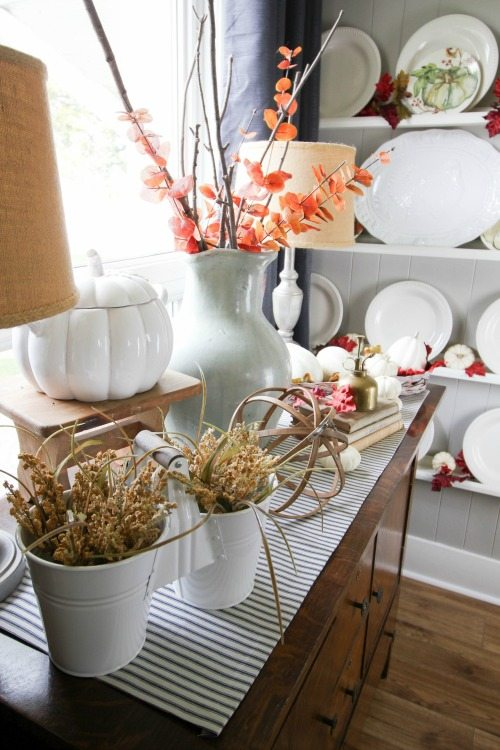 Here are some great dollar store fall decor ideas to help you celebrate the season beautifully, no matter what your budget looks like!
