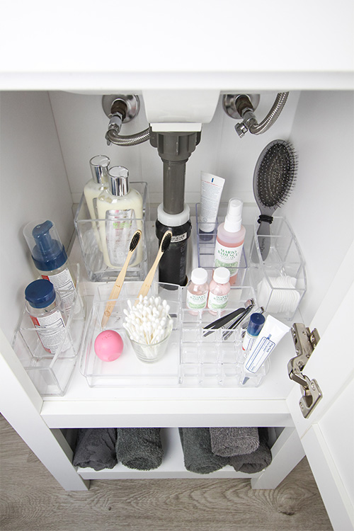 If you live in a small house, or an old house like we do with small rooms, this one's for you! Here are some of my favourite tricks for how to organize a tiny bathroom vanity!